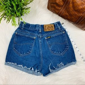 "22/23"" Vintage Lee High Waisted Jean Shorts"